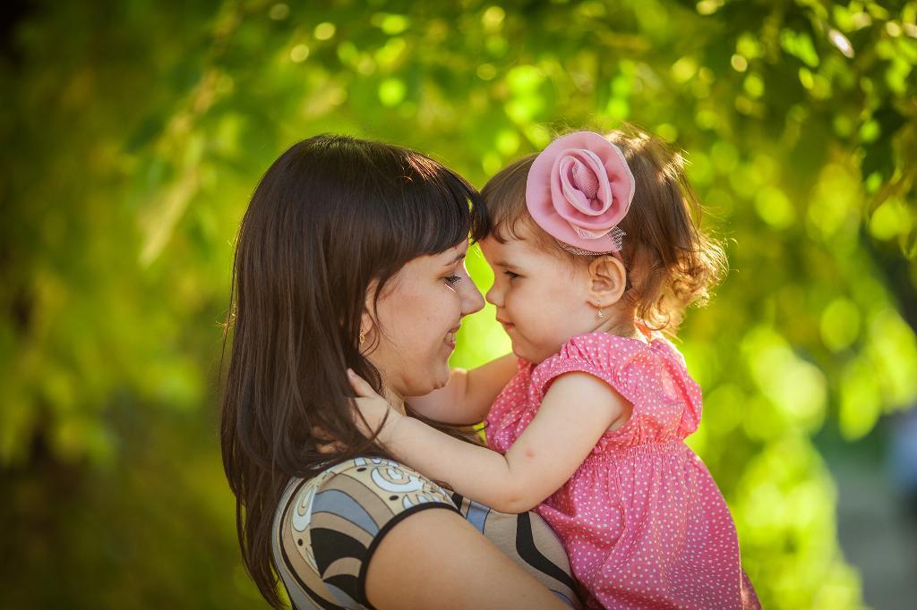 Мама с детьми красивые картинки