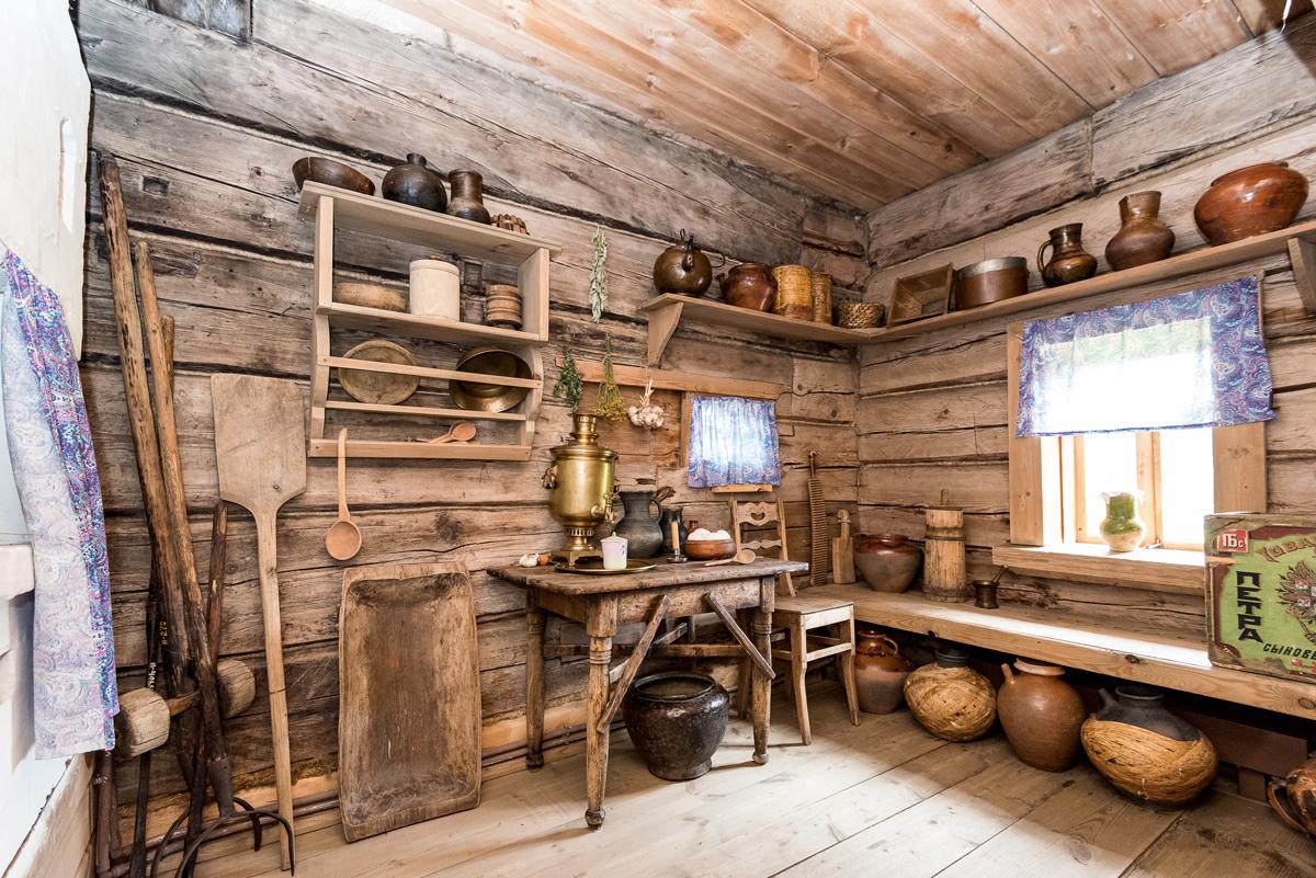 Деревенская изба внутри фото