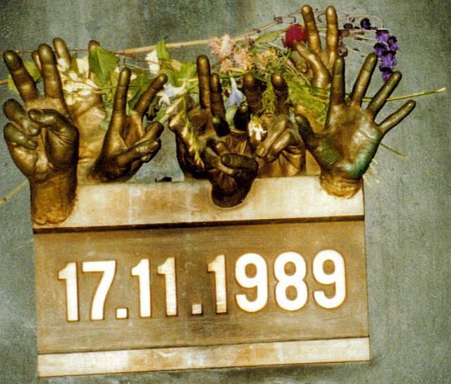 a history of the velvet revolution in czechoslovakia