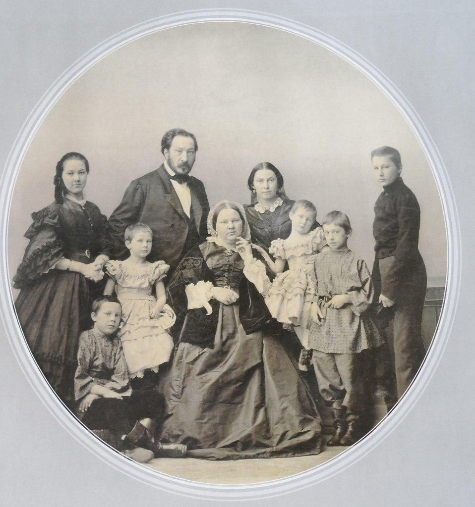 фото семья демидовых впечатление, что здания